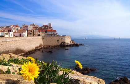 EXCURSION ANTIBES ET LE PORT VAUBAN